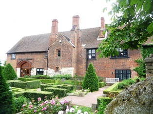 photograph of King Henry VIII Royal Manor Gatehouse in Dartford, Kent